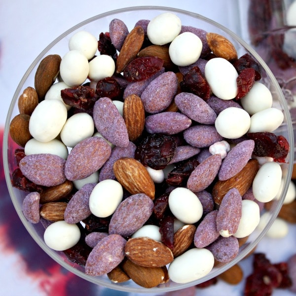Red, White and Blue-berry Almond Trail Mix {www.homemadeinterest.com} #ad #sponsored
