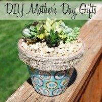 10 Mother's Day gifts ideas that will show your mom how much you love her.
