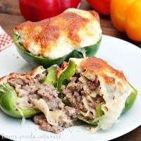 I love Philly cheesesteak and these philly cheesesteak stuffed peppers are an awesome alternative to the usual sub sandwich. Steak and cheesy noodles stuffed into green peppers, yum! It is a simple weeknight dinner recipe that everyone will love!