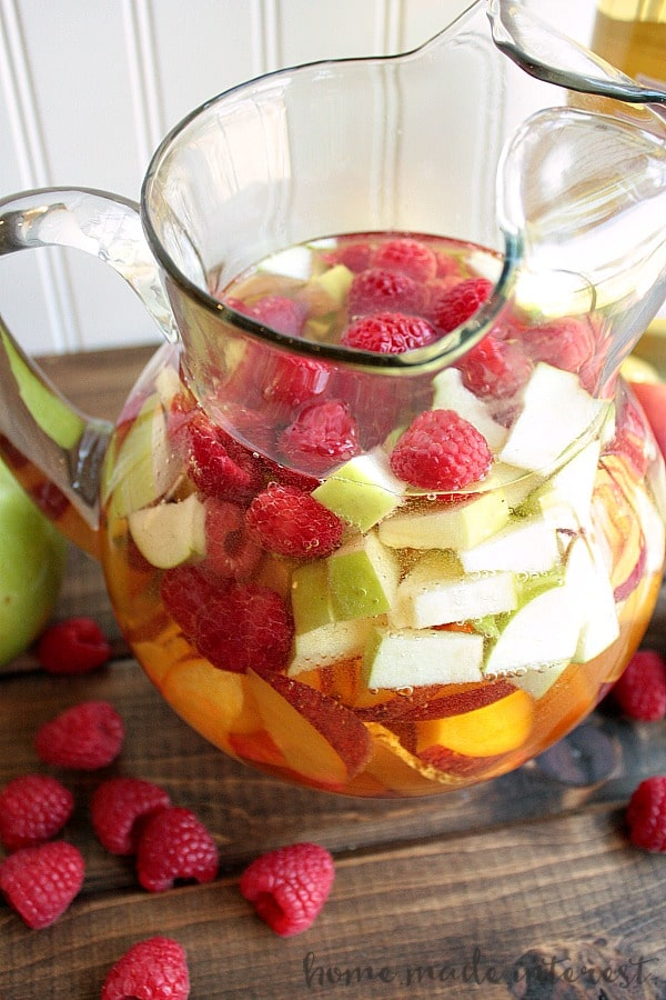 Sangria is at the top of my summer drinks list! Made with fresh summer ...