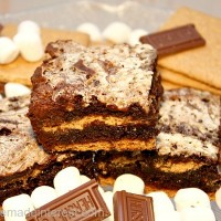 S'mores Brownies {www.homemadeinterest.com}
