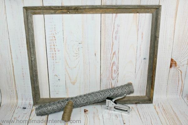 Rustic Wood Frame {www.homemadeinterest.com}