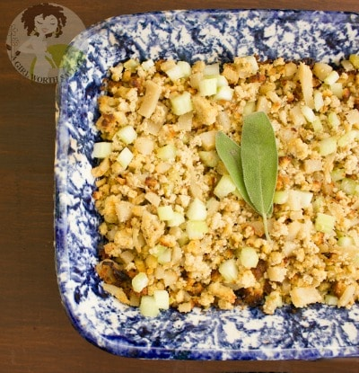 We've rounded up 10 Thanksgiving stuffing recipes that would be great for your Thanksgiving dinner this year. Whether you call it stuffing or dressing there is something for everyone. No Thanksgiving is complete without a side dish of stuffing!