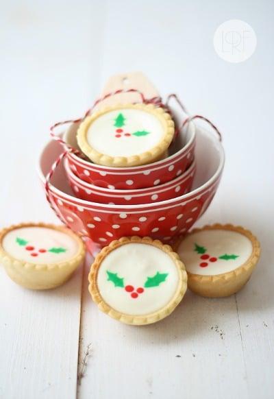 http://www.larecetadelafelicidad.com/en/2012/12/cheesecake-cookies.html