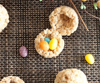 Are you looking for the best Easter Dessert to serve for brunch, lunch or dinner? These will put smiles our your families faces!