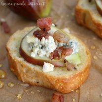 This easy appetizer recipe is fancy enough to serve at a dinner party but simple enough to make as a bite size appetizer on girls night. The sharp taste of blue cheese with fresh fig and the salty pancetta is amazing!