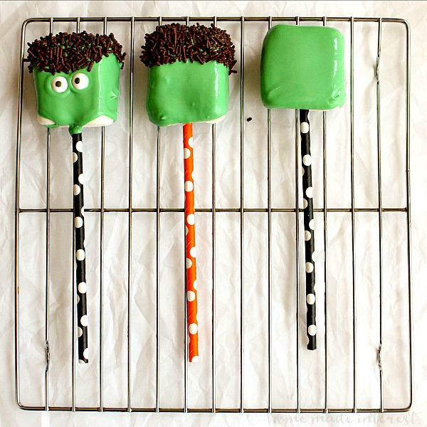 steps for making Frankenstein Marshmallow Pops for Halloween