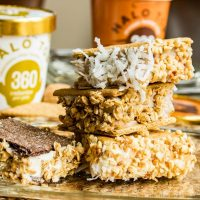 Low Calorie Ice Cream Sandwich | This low calorie ice cream sandwich recipe is a healthy dessert recipe that will be perfect on your diet! Low calorie ice cream sandwiched between two graham crackers and rolled in healthy toppings.