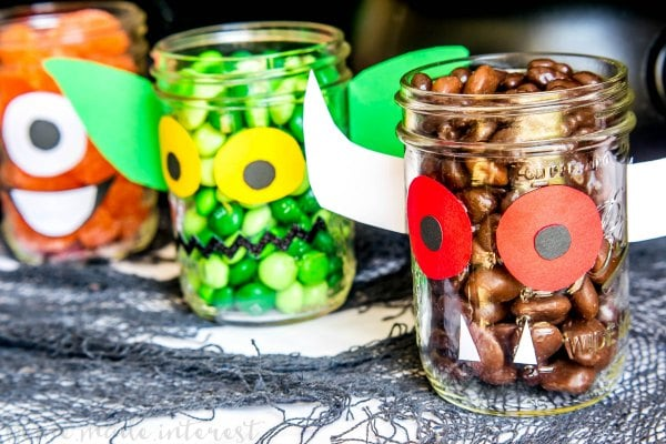 Halloween mason jars filled with candy