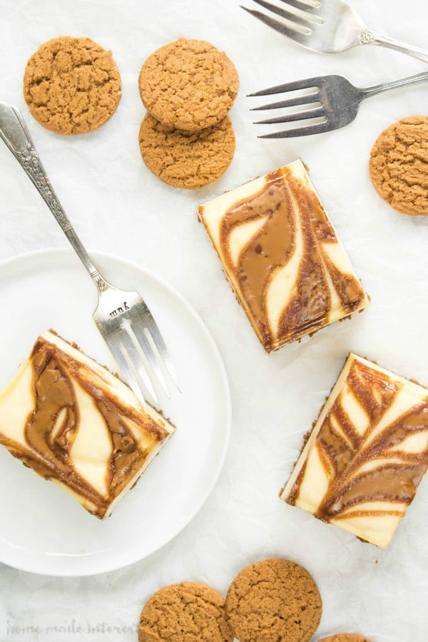 gingersnap cheesecake bars with gingersnap cookies