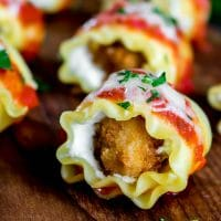 bite size chicken parmesan lasagna roll ups