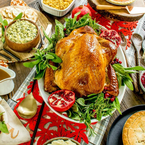 Simplify The Holidays With Traditional Thanksgiving Dinner Delivery