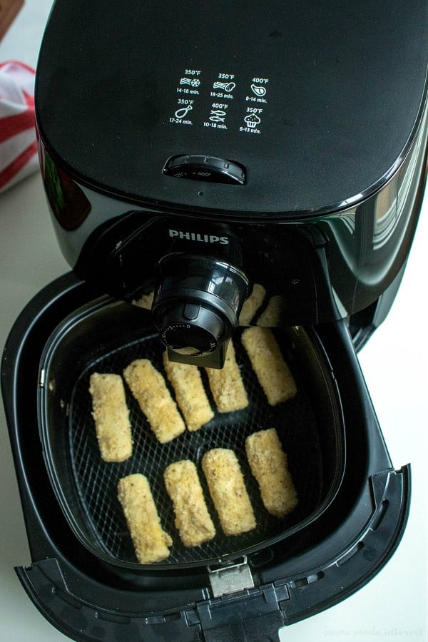 Airfryer low carb mozzarella sticks