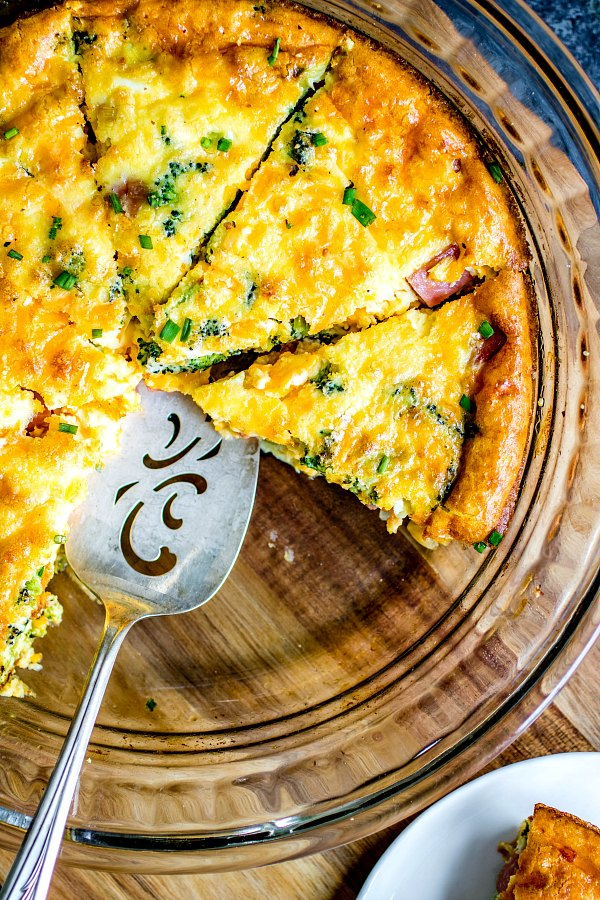 keto quiche with ham, cheese, broccoli