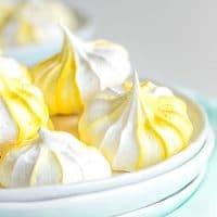 Lemon Meringue Cookies with yellow swirl