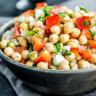 Portuguese easy Chickpea Salad Salada de Grao de Bico
