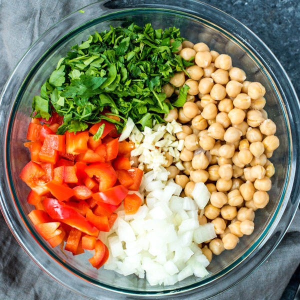 Salada de Grao de Bico - Chickpea Salad ingredients