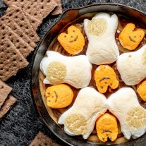 kid friendly Halloween S'mores Dip