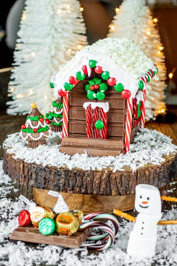 No bake Holiday Candy Cabin