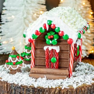 Christmas Holiday Candy Cabin