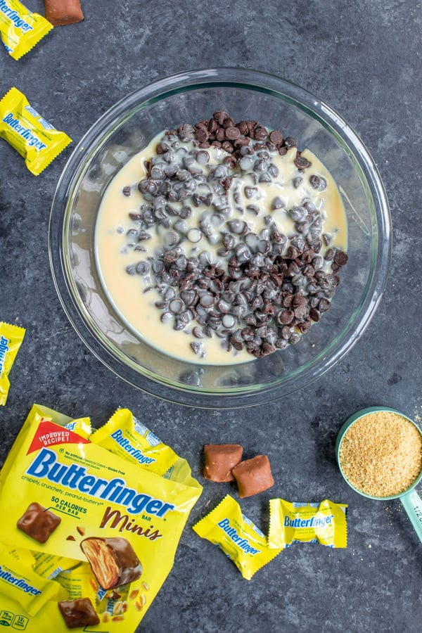 making the smores layer in Butterfinger S'mores Bars